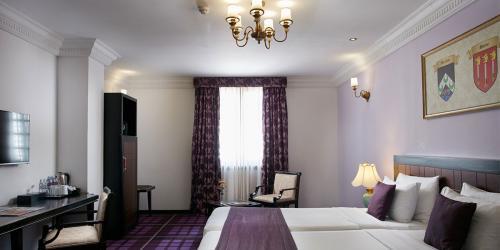 Premium-Rooms-1