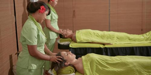 Ignite your senses at The Citron Senses Spa with our skilled Balinese therapists at Citrus Waskaduwa